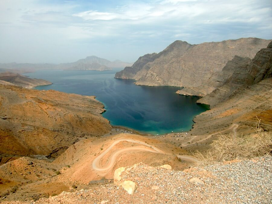 Ausblick auf die Fjorde in Musandam auf unserem Roadtrip durch den Oman