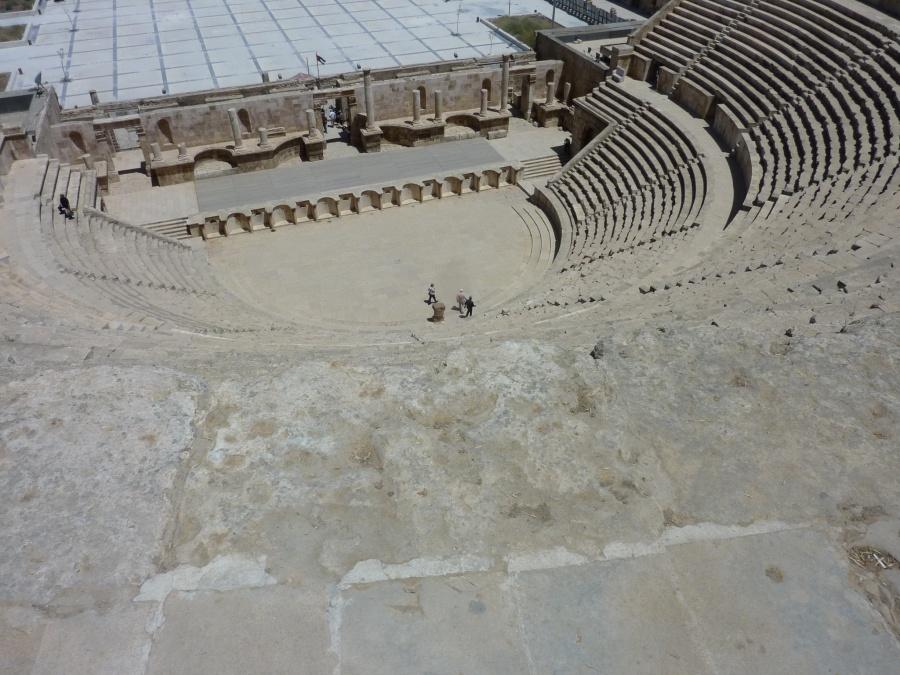 Das roemische Theater mitten in Amman