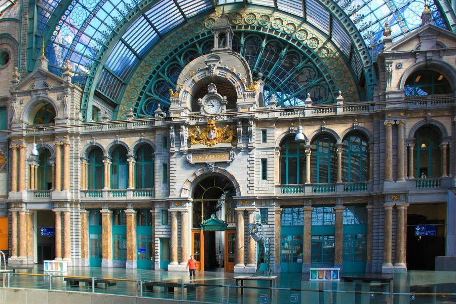 Der Bahnhof in Antwerpen ist ein wahrer Prachtbau