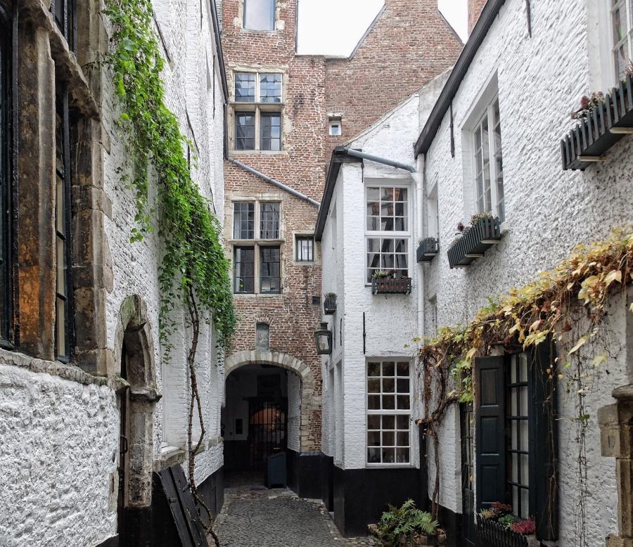 Der geheime Vlaeykensgang in Antwerpen, Belgien