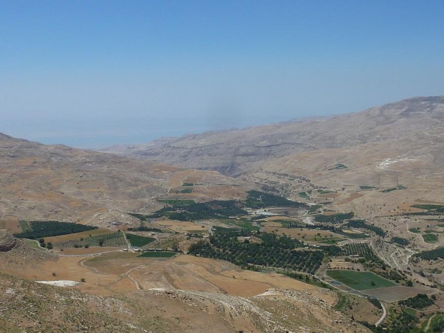 Ausblick bis zum Toten Meer in Jordanien
