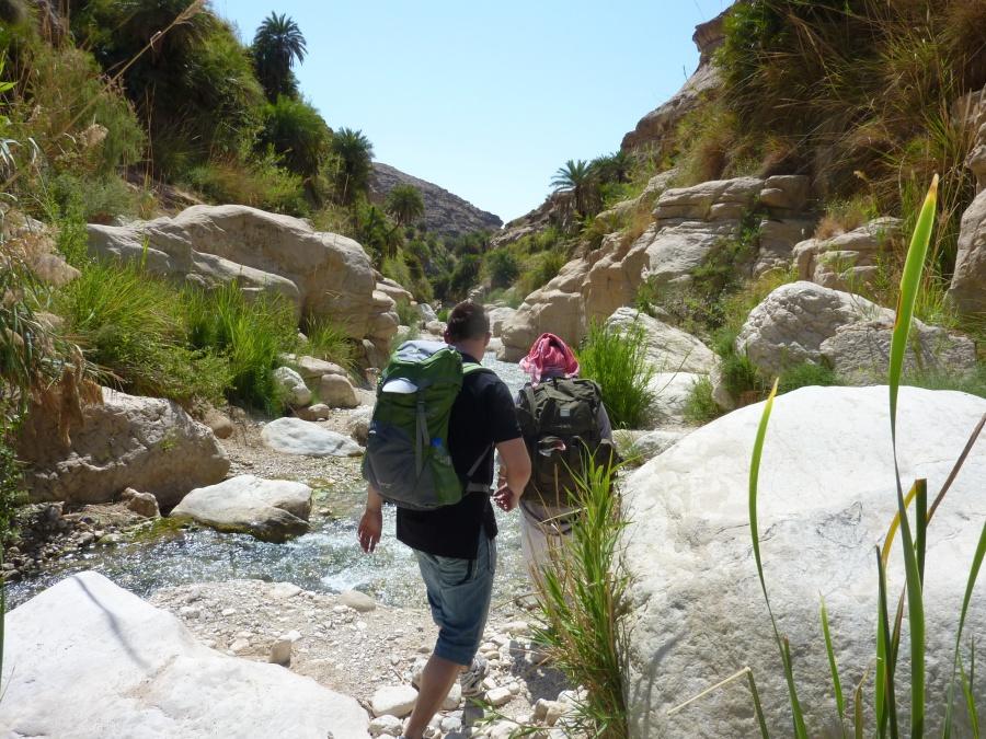 Wanderung im Wadi Bin Hammad