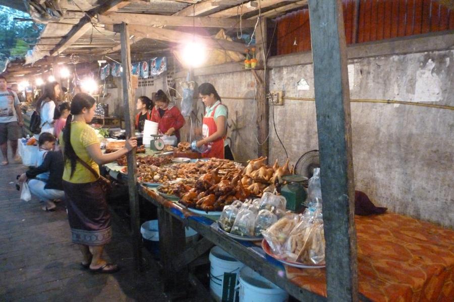 Der Essensmarke in Luang Prabang