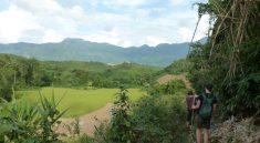 Mit den Bambusstecken durch den Dschungel im Norden von Laos
