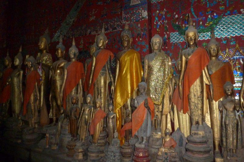 Buddha Statuen in einem Bat in Lang Prabang