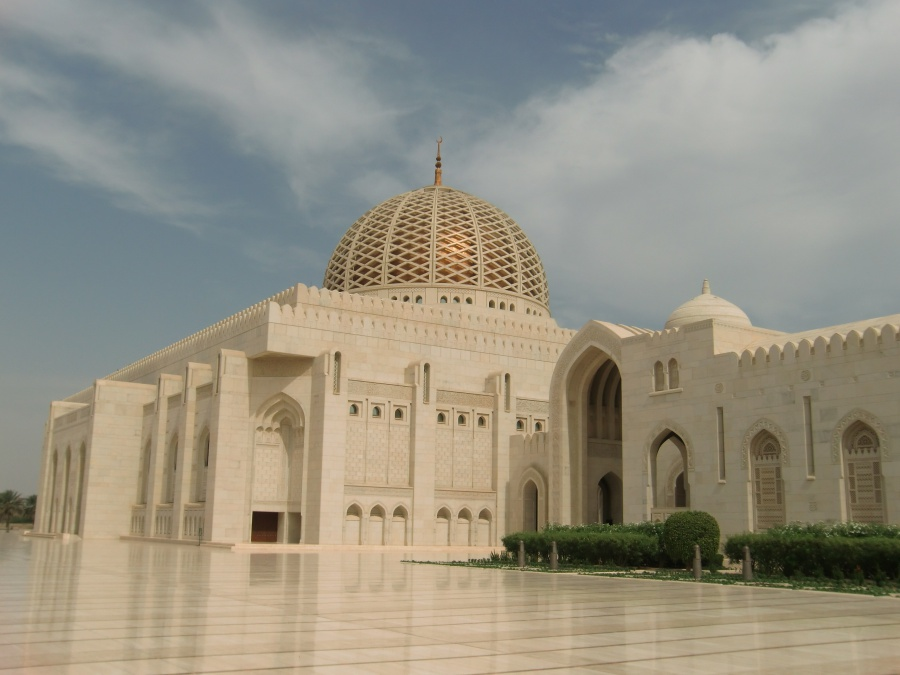 Die Sultan Qaboos Moschee in Muscat. Ein Traum aus Mamor, Sandstein und Swarovski Kristallen