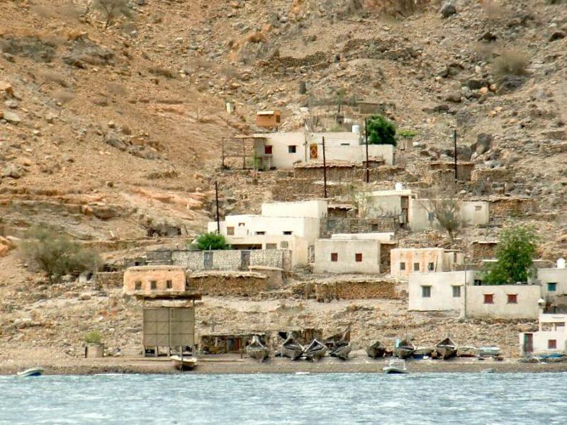 Fischerdorf in den Fjorden Musandams im Oman