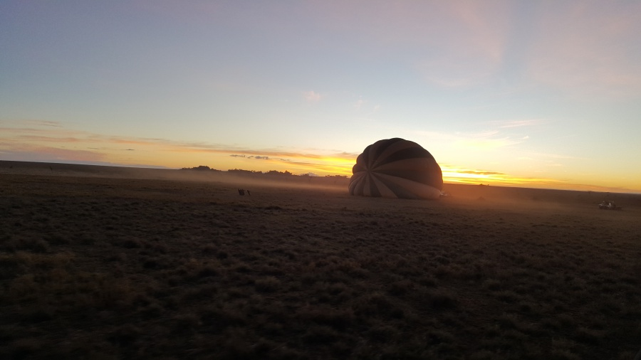 Flying the Serengeti in Tanzania with a hot air balloon