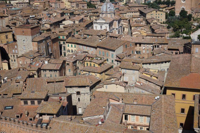 Siena von oben vom Glockenturm des Palazzo Pubblico