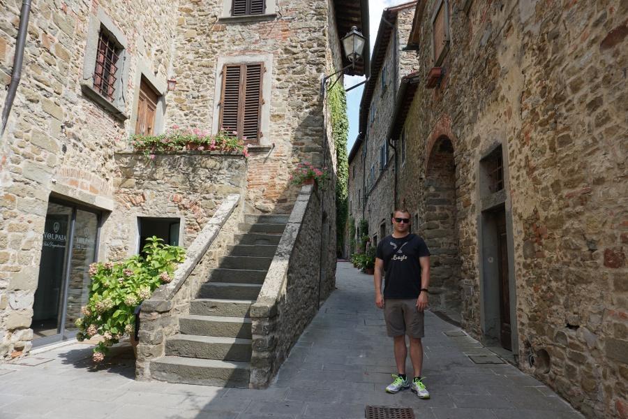 Marco im Mittelalterdorf Volpaia, ein wichtiger Weinort im Chianti