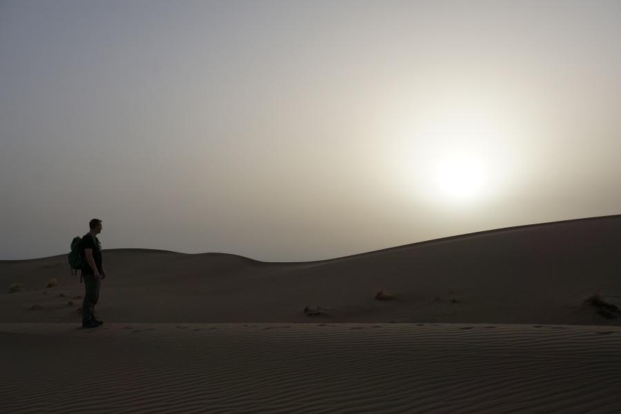 Sonnenaufgang in der Dasht-e Kavir Wueste
