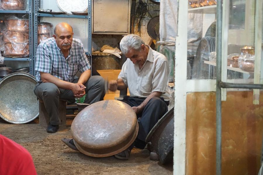 Handwerker im Basar von Shiraz