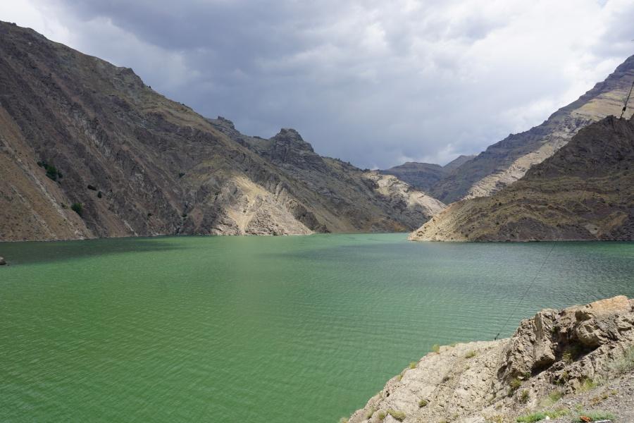 Der Karaj-Staudamm bei Teheran