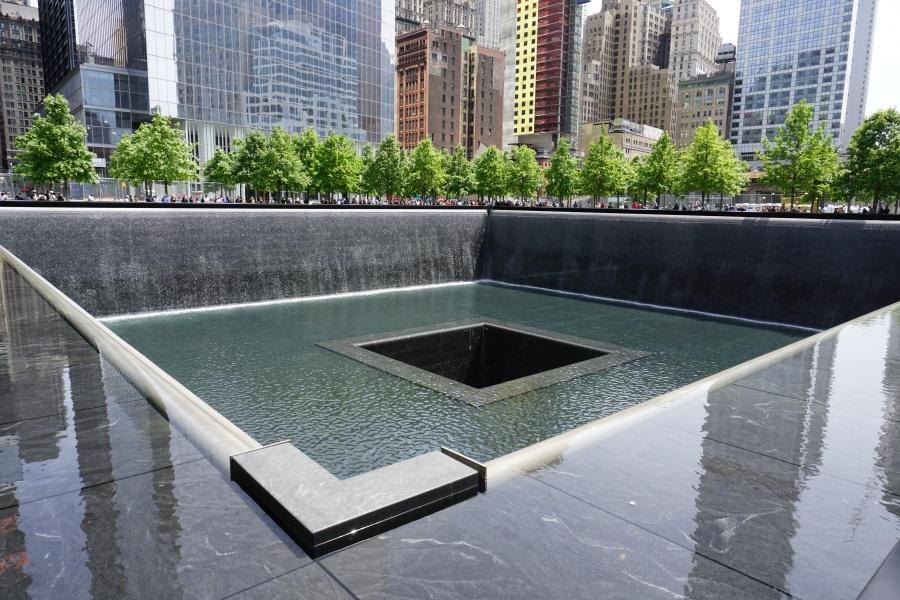 9/11 Memorial am One World Trade Center auf den Fundamenten der eingestuerzten Twin Towers