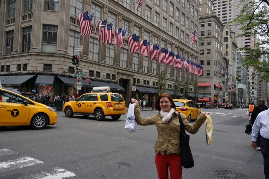 Lisa auf der Fifth Avenue