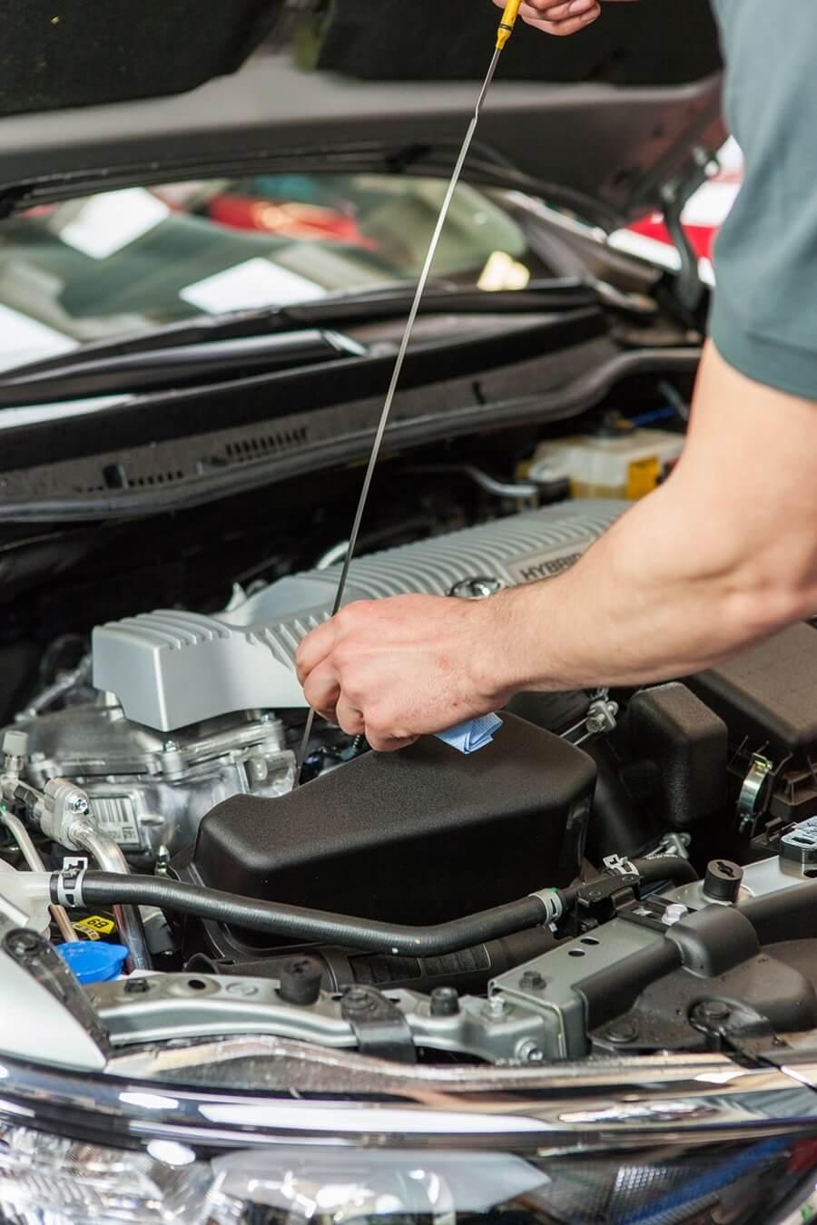 Ein Service-Check ist wichtig, um dein Auto fuer den Roadtrip bzw die Urlaubsreise vorzubereiten