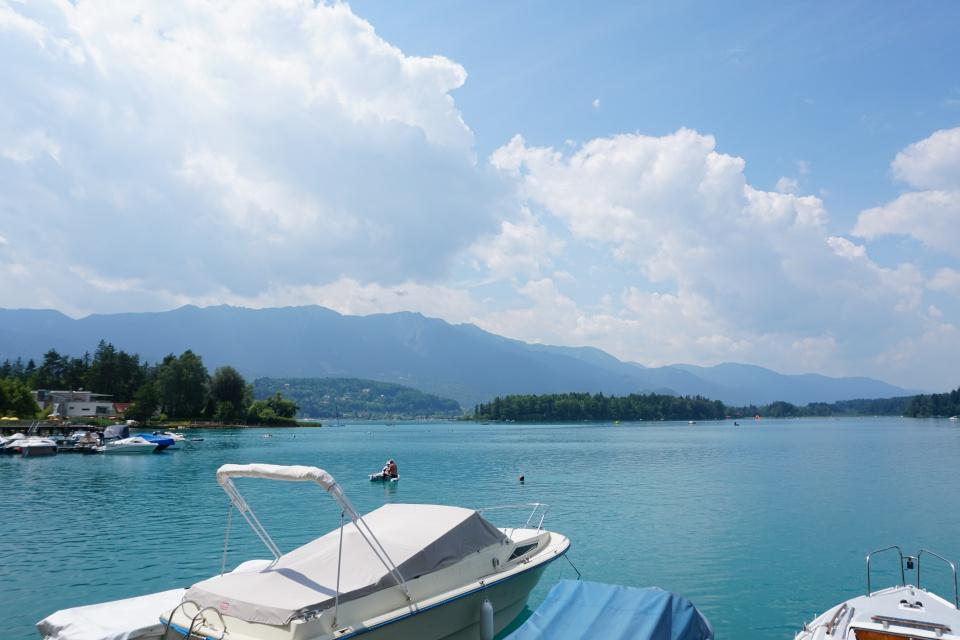 Der Faaker See bei Villach in Kaernten, Oesterreich