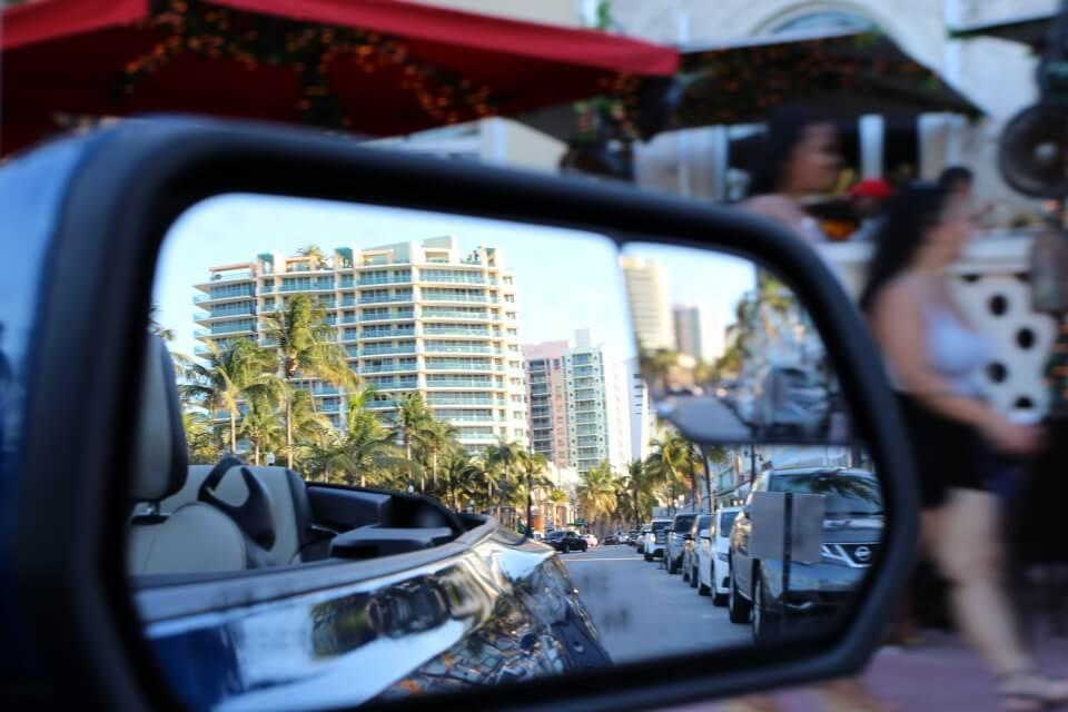 Ocean Drive South Beach Florida - sehen und gesehen werden auf der Flanier- und Ausgehmeile
