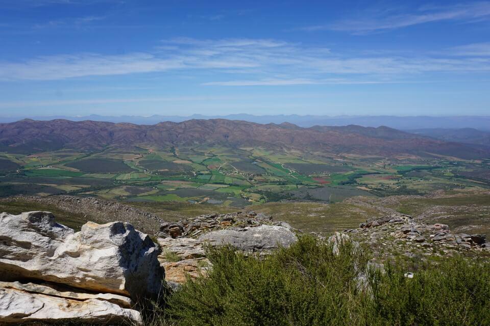 Ausblicke vom Swartbergpass bei Oudtshoorn in Suedafrika