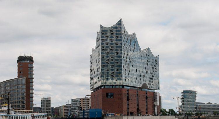 Die Elbphilharmonie in Hamburg - Hamburgs neues Wahrzeichen im Hafen