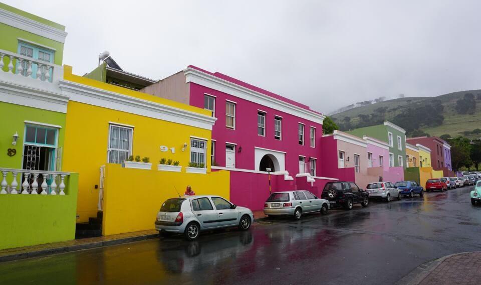 Farbenfrohe Haeuser im Bo Kaap in Kapstadt