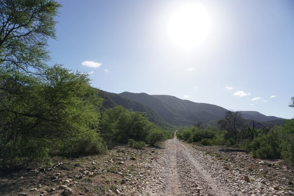 Dirt Road im Baviaanskloof Nature Reserve in Suedafrika