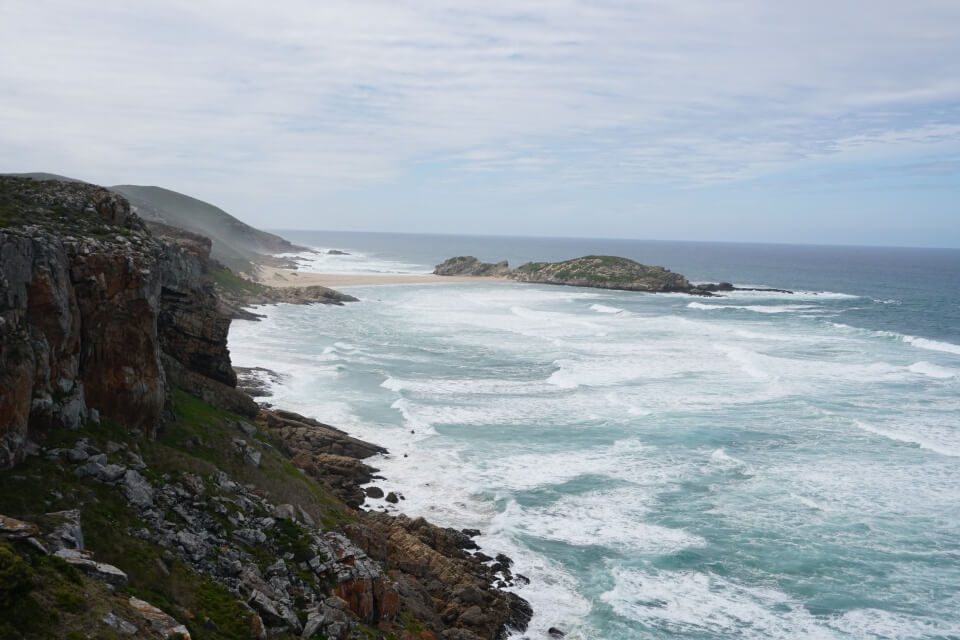 Hiking Trail im Robberg Nature Reserve bei Plettenberg Bay an der Garden Route in Suedafrika