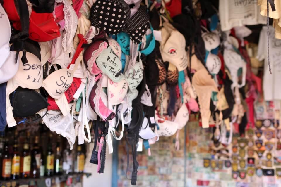 Ronnies Sex Shop auf der Route 62 - ein Kult Café in Suedafrika