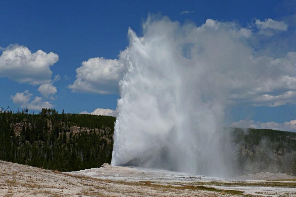 Geysir Old Faithful im Yellowstone Nationalpark