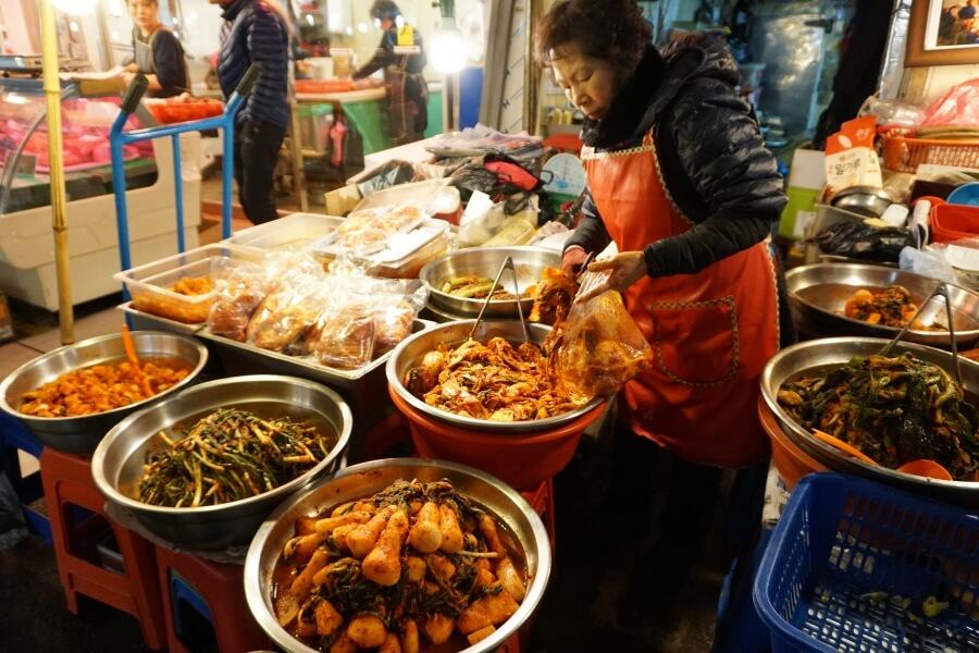 Der Gwangjang Market in Seoul