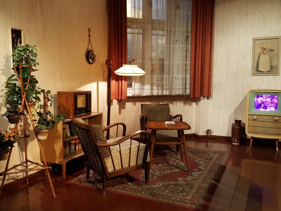 Ein Wohnzimmer in der DDR