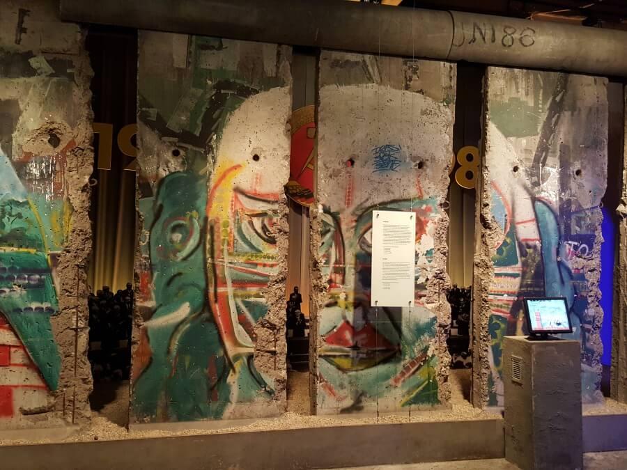 Die Berliner Mauer im Story of Berlin Erlebnismuseum
