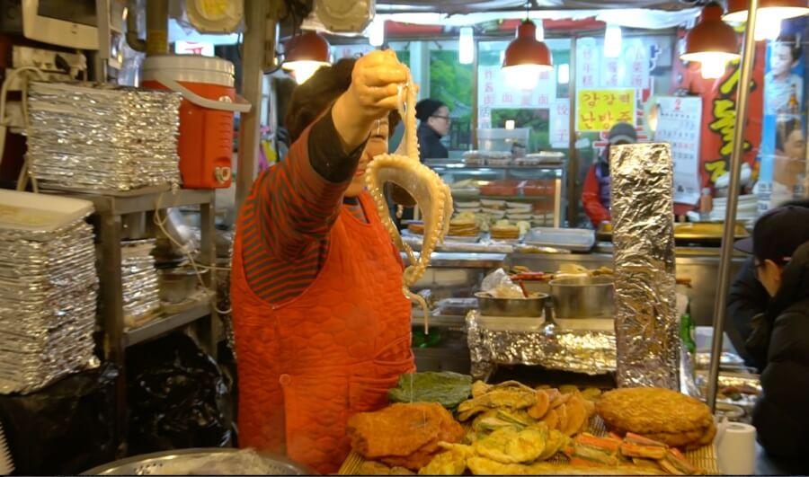 Frischer Oktopus in Seoul