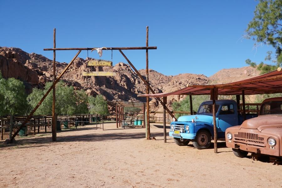 Unterwegs auf der Koiimasis Ranch mitten in den Tirasbergen