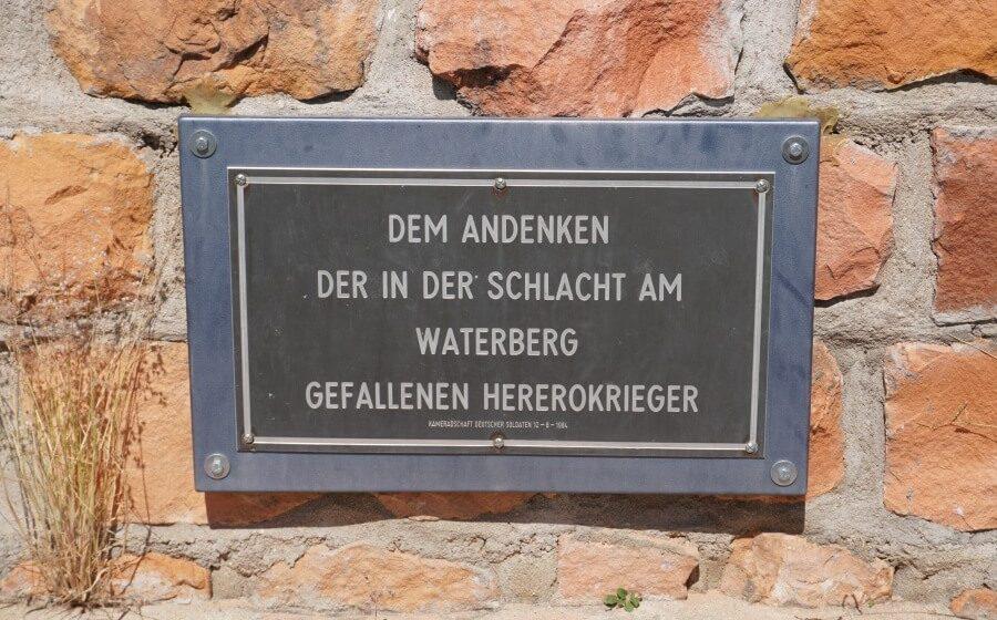 Gedenktafel fuer die Herero am Waterberg