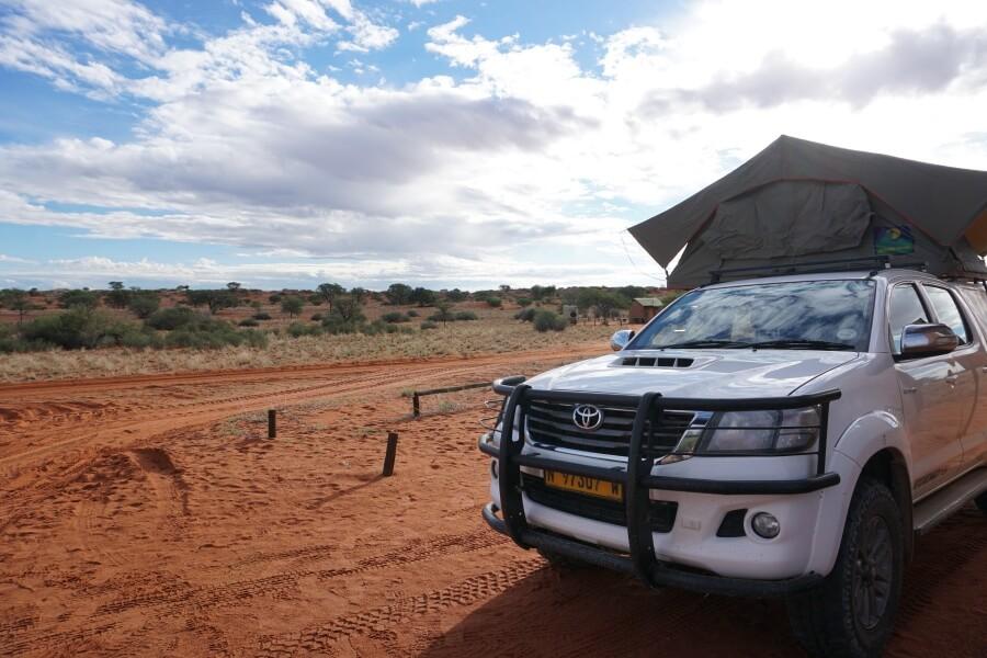 Sonnenuntergang auf der Campsite der Kalahari Bagatelle Ranch