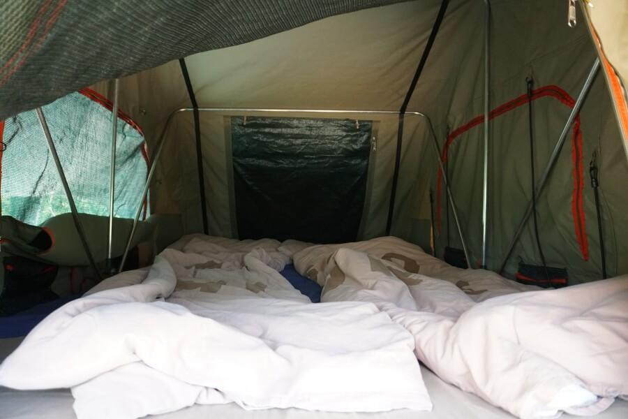 Unser Bett im Dachzelt von Asco Car Hire