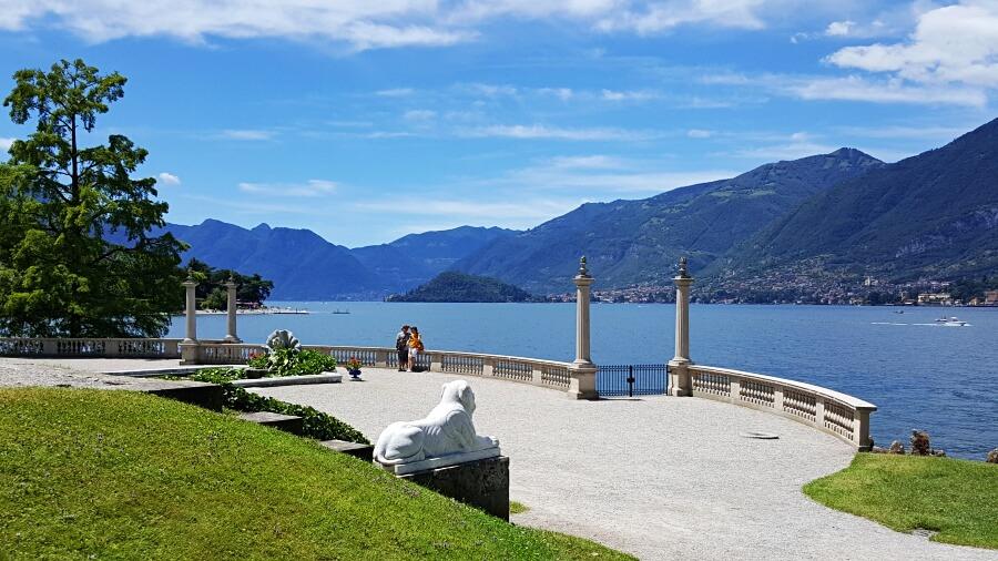 Garten und Park der Villa Melzi am Lago di Como in Italien