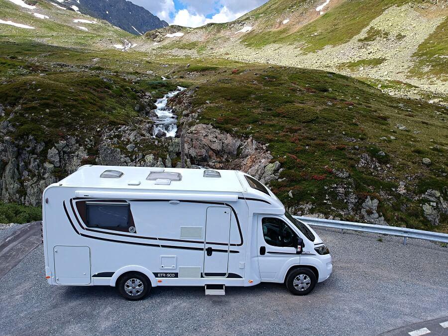 Unser Etrusco Reisemobil auf dem Fluelapass in der Schweiz