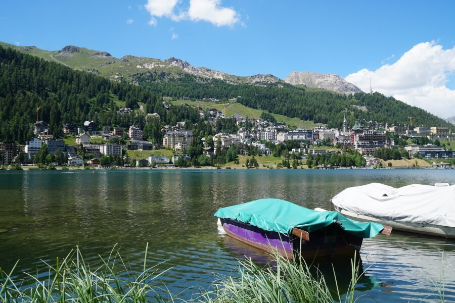 See in St. Moritz in der Schweiz im Sommer