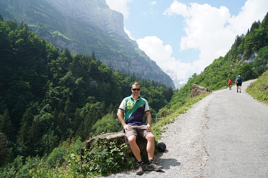 Marco auf dem Wanderweg zum Seealpsee im Alpsteingebirge