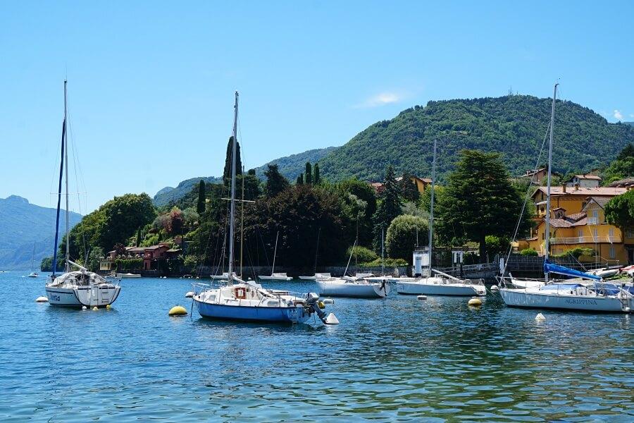 Den Lago di Como erkundet man am besten per Ausflugsboot
