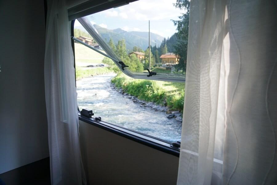 Ausblick auf dem Campingplatz Rinerlodge in der Schweiz