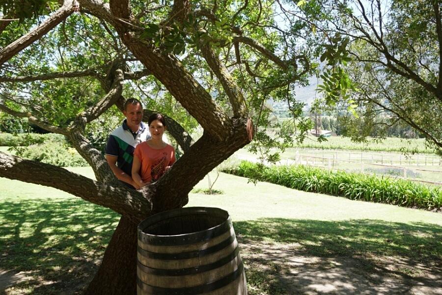 Lisa und Marco im Weingut Mont Rochelle in Franschhoek