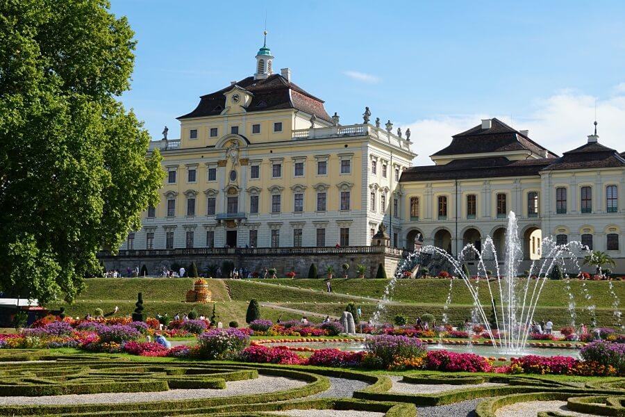 Das Barockschloss Ludwigsburg ist die bekannteste Ludwigsburg Sehenswuerdigkeit