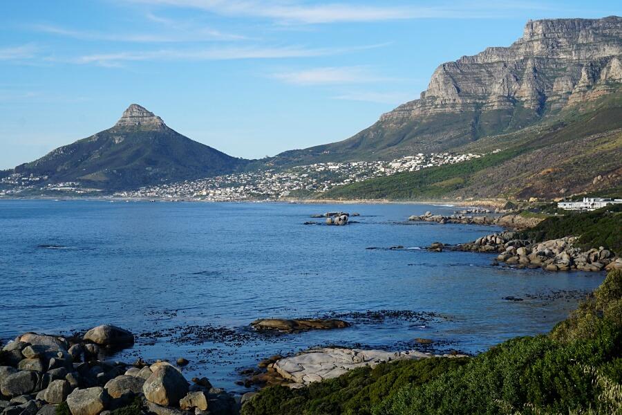 Blick auf Tafelberg und Lions Head in Kapstadt
