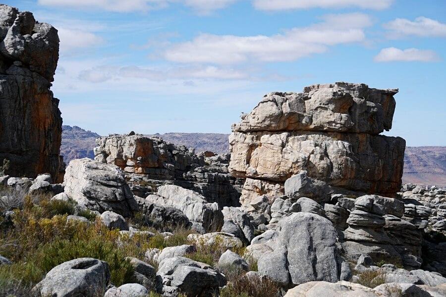 Steinformationen in den Cederberg Mountains in Suedafrika