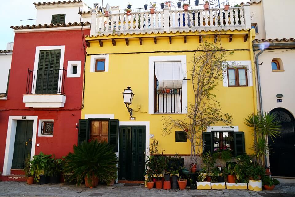 Palmas Trendviertel Santa Catalina mit seinen schmucken Gebaeuden
