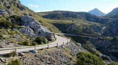 Serpentinen in der Serra de Tramuntana zur Bucht Sa Calobra