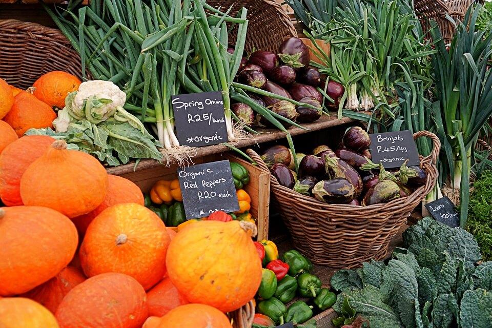 Obst auf dem Oranjezicht City Farm Market Kapstadt